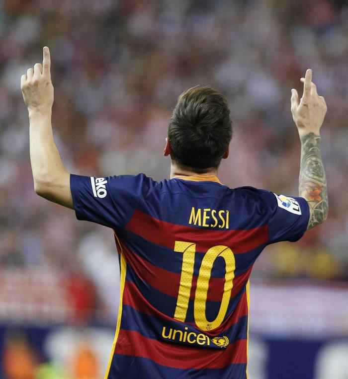 El delantero argentino del FC Barcelona, Lionel Messi, celebra el segundo gol marcado al Atlético de Madrid. Foto: EFE
