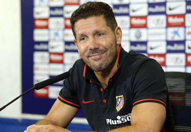 El DT argentino del Atlético de Madrid., Diego Pablo Simeone, durante la rueda de prensa realizada en el Vicente Calderón. Foto: EFE