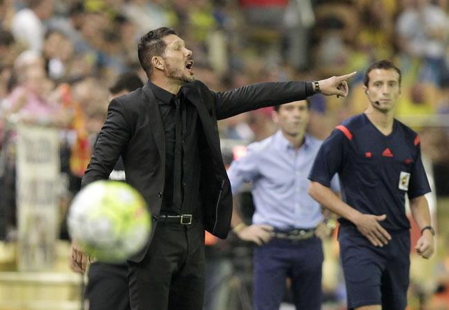 El DT argentino del Atlético de Madrid, Diego Pablo Simeone, durante el partido de la sexta jornada de Liga en Primera División ante el Villarreal. Foto: EFE