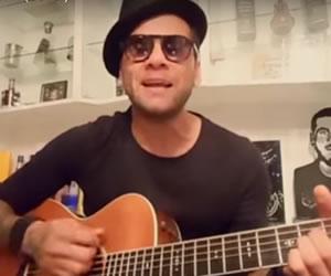 Dani Alves canta 'Ginza' la famosa canción de J Balvin