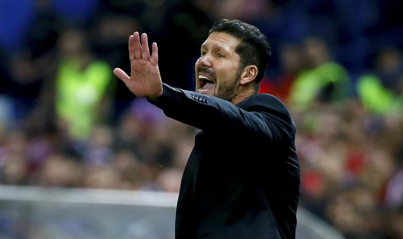 El entrenador del Atlético de Madrid, el argentino Diego Simeone, durante el partido frente al Real Madrid. EFE