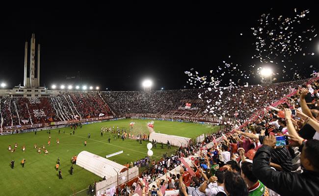 Huracán venció a River en el global por 3-2 y es finalista de la Copa Sudamericana. Foto: EFE