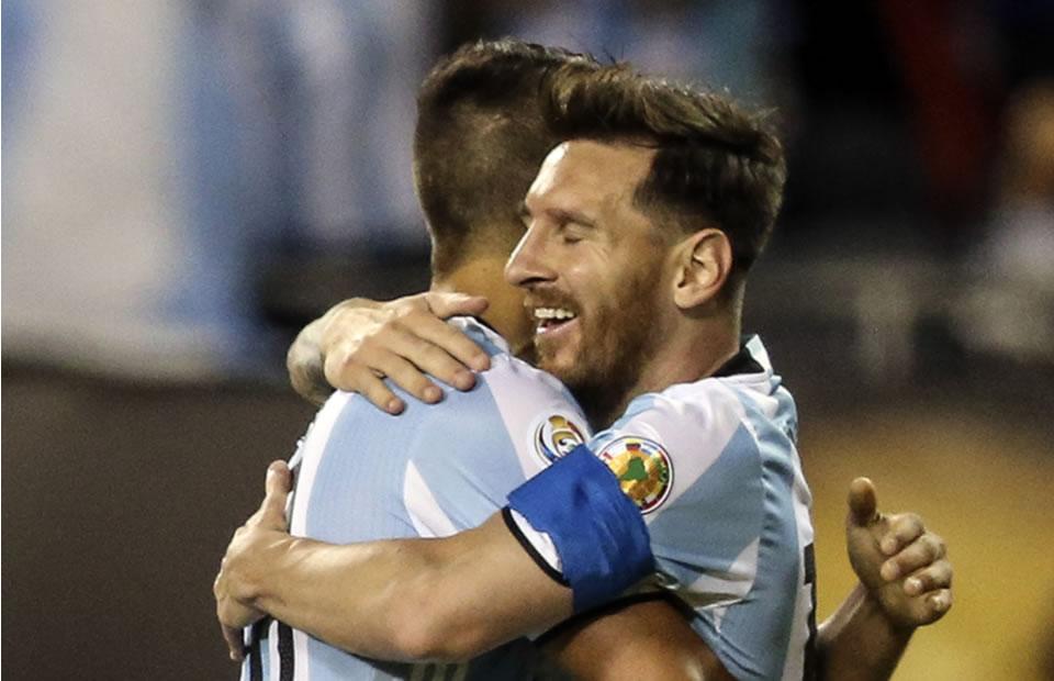 Argentina goleó a Panamá y aseguró su clasificación. Foto: EFE
