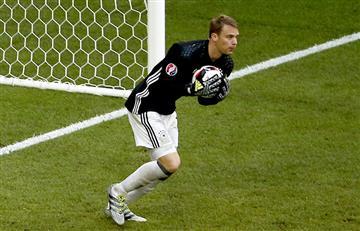 Eurocopa: El balonazo de Neuer al árbitro