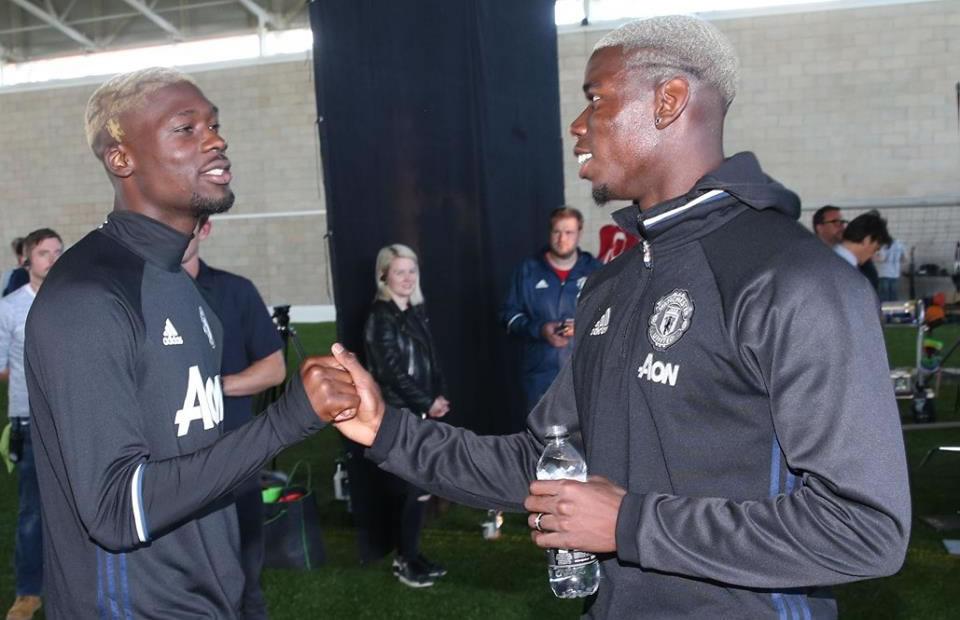 Paul Pogba en su llegada a Manchester. Foto: Facebook