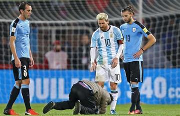 Lionel Messi: Un hincha por poco lo lesiona