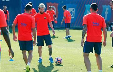 Lionel Messi entrena en grupo con el Barcelona