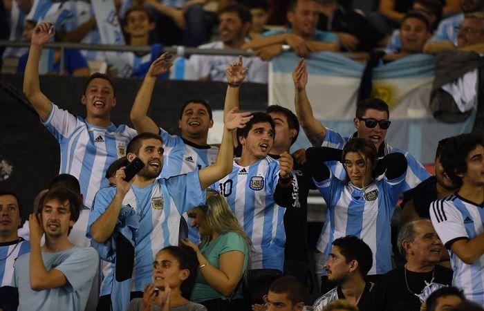 Venta de entradas para Argentina - Venezuela. Foto: AFP