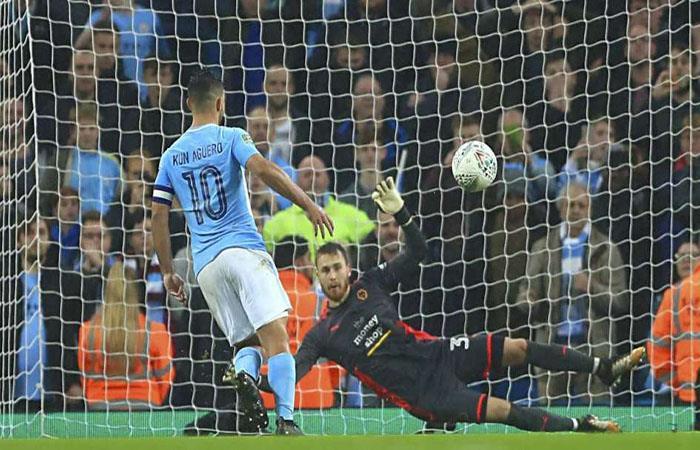 Agüero mete al City a los cuartos de final de Copa. (FOTO: AFP)