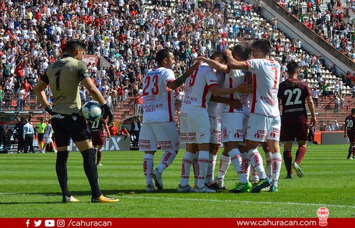 Huracán golea a Lanús y se coloca tercero en la Superliga (FOTO: Facebook Huracán)