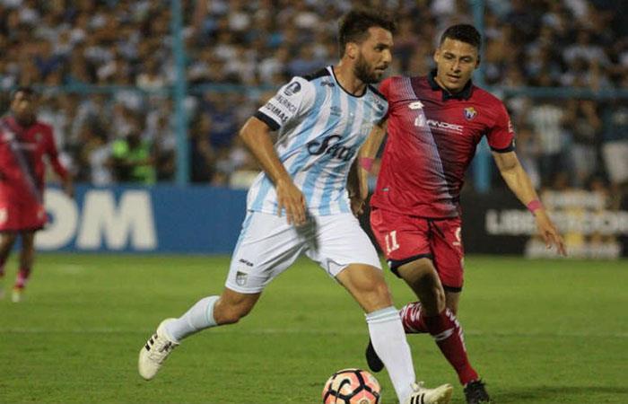 Atlético Tucumán reibe a Arsenal de Sarandí. (FOTO:AFP)