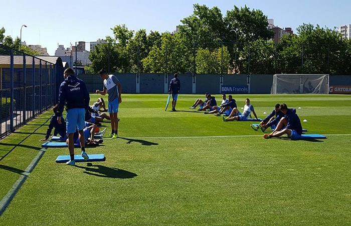 Los dirigidos por el ruso Zielinski quieren hacer historia en la Copa Argentina (Foto: Facebook)