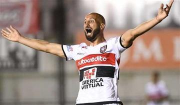 Chacarita venció por 3-0 a Lanús en el último partido del 2017 por Superliga