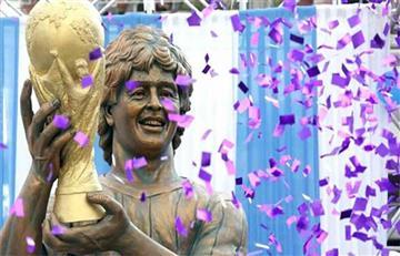 Mira la curiosa estatua de Maradona en la India