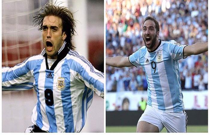Gabriel Omar Batistuta y Gonzalo Higuaín. Foto: AFP