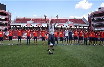 Independiente celebra el título de la Sudamericana en el Libertadores de América