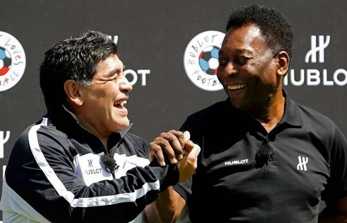 Diego Armando Maradona y Pelé. Foto: AFP