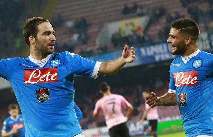 Higuaín e Insigne cuando jugaban en el Napoli. Foto: AFP