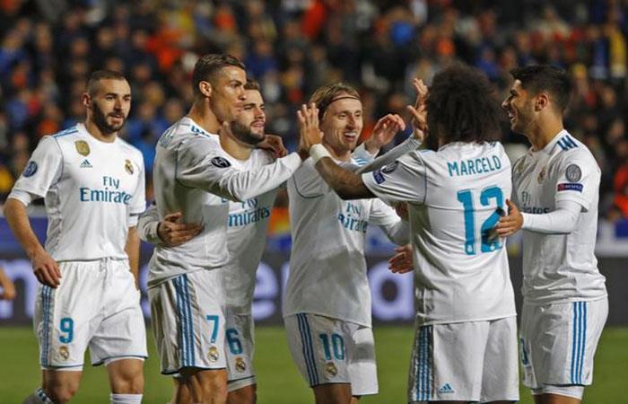 El Real Madrid quiere levantar cabeza y llevarse un triunfo de visita. (AFP)