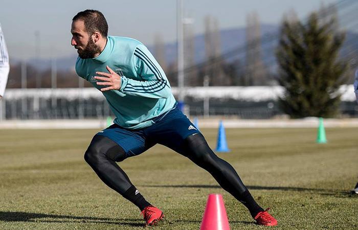 Gonzalo Higuaín llegó a los entrenamientos de la Juventus con buen estado físico. Foto: Facebook
