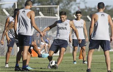 Guillermo Barros probó su once con Tévez en el ataque