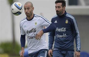 Ezequiel Lavezzi le dio la bienvenida a Javier Mascherano en su nuevo club