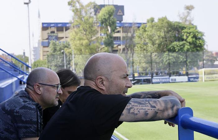 'Sampa' hace una visita al complejo Pedro Pompilio donde entrena Boca. Foto: Twitter