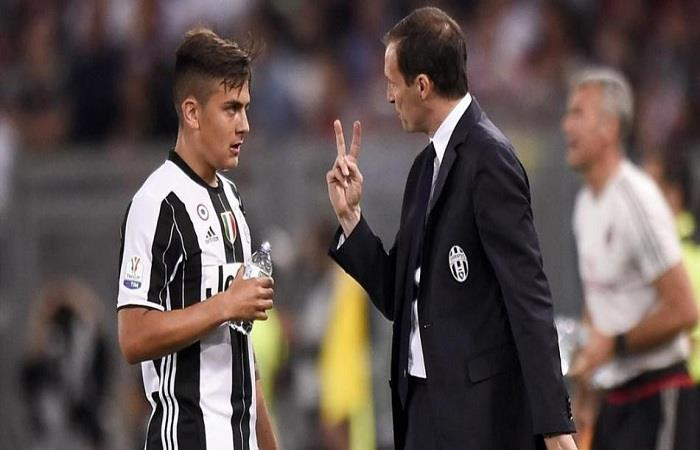 Massimiliano Allegri y Paulo Dybala. (AFP)