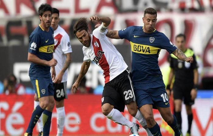 River y Boca chocan por la Supercopa Argentina. (AFP)