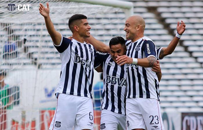 'La T' se ilusiona y se ubica en el segundo lugar de la tabla de la Superliga (Foto: Twitter)