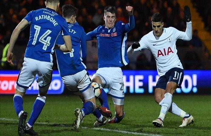 Erik Lamela sumó minutos en el empate del Tottenham. (AFP)