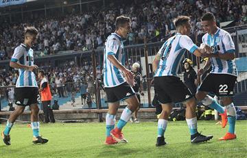Racing derrotó a Godoy Cruz sobre la hora y es cuarto en la Superliga