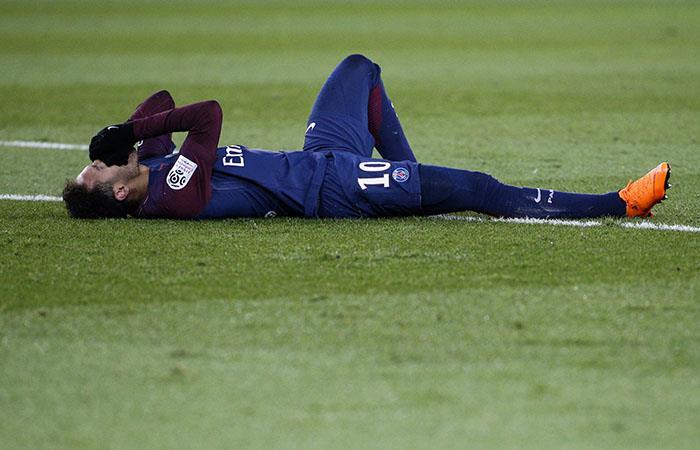 Neymar estaría dos meses de baja. (AFP)