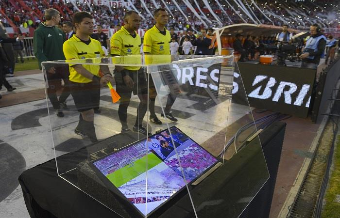 La FIFA autoizó el uso del VAR en el Mundial. (AFP)