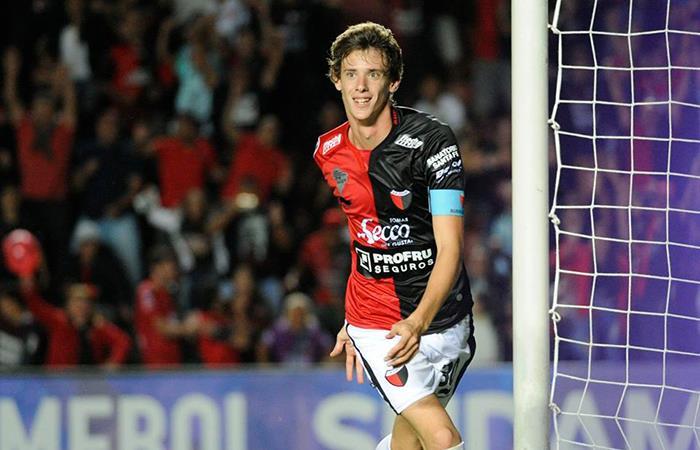 Colón buscó y encontró el gol que le permitió liquidar la serie sobre Zamora