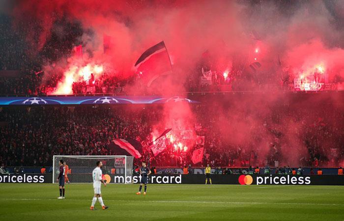 Los hinchas del PSG convirtieron el Parque de los Príncipes en un infierno. (AFP). Foto: AFP