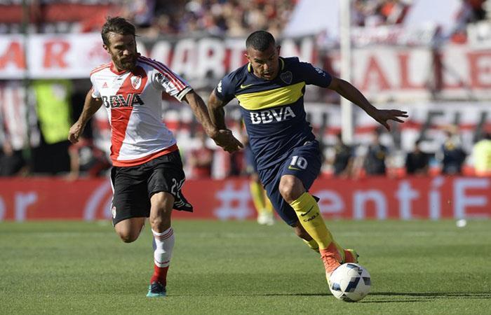 Carlos Tevez ante River Plate. (AFP). Foto: AFP