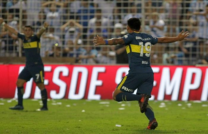 Boca Juniors rescató un empate y sigue líder de la Superliga. (AFP)