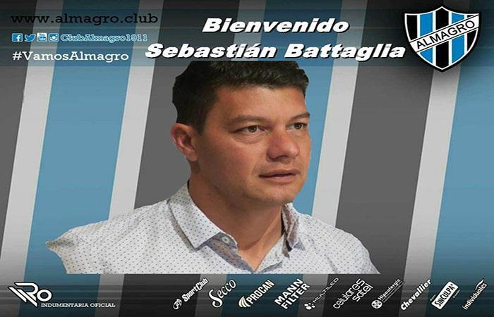 Sebastián Battaglie fue presentado como nuevo DT de Almagro. (@Twitter)