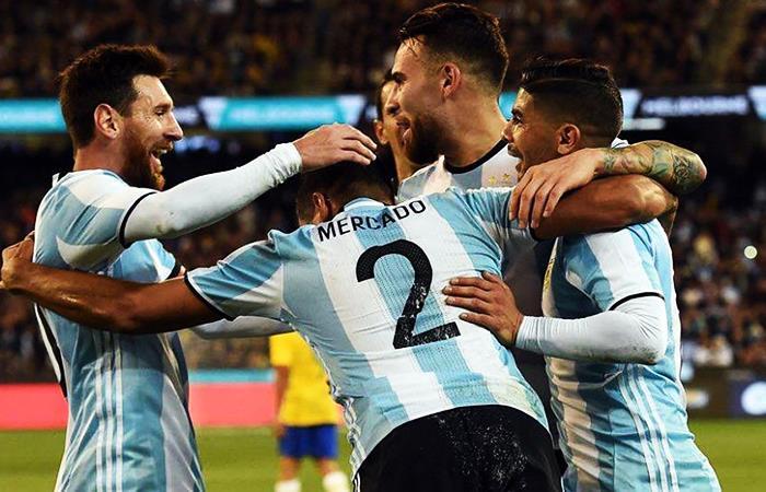 Messi y Otamendi son los únicos jugadores que son fundamentales para Sampaoli. Foto: Facebook
