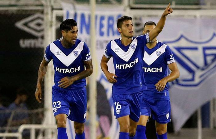 Vélez Sarsfield y Estudiantes chocan por la Superliga. (AFP)