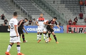 Newell's se ahogó en Brasil cayendo goleado ante Atlético Paranaense