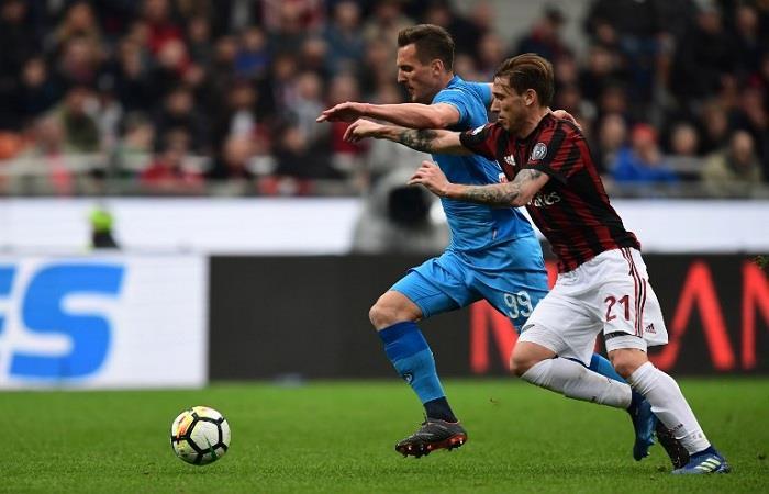 Lucas Biglia fue titular en el empate 0-0 entre Milan y Napoli. (AFP). Foto: AFP