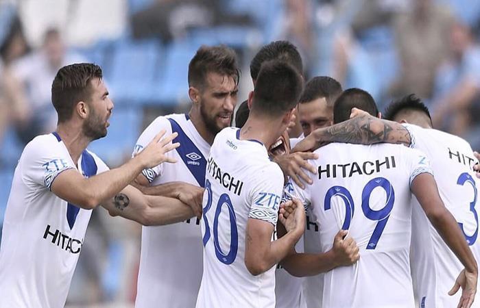 Vélez ganó y escala posiciones en la Superliga. (FOTO: Twitter)