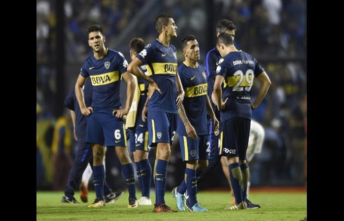 Boca Juniors puede ser campeón de la Superliga pero sufre en la Libertadores