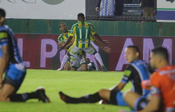 Aldosivi sella su vuelta a la Superliga tras vencer 3-1 a Almagro. Foto: Twitter