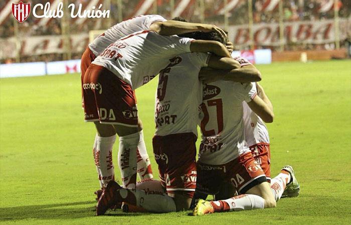 Unión de Santa Fe venció a Independiente y está cerca de la Sudamericana
