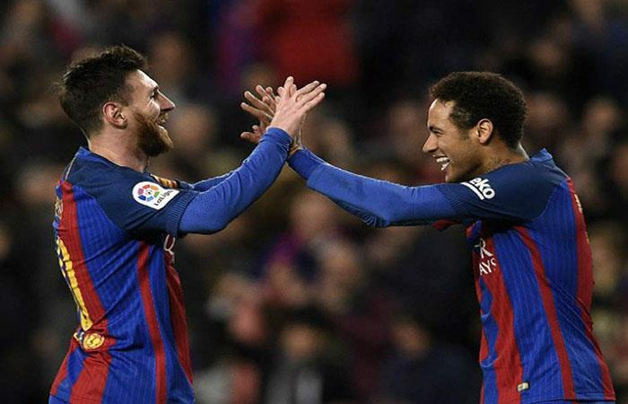 Lionel Messi y Neymar son grandes amigos. (FOTO: AFP)