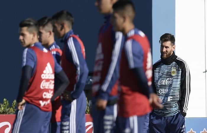 Lionel Messi ha llegado a Ezeiza. (FOTO: Twitter)