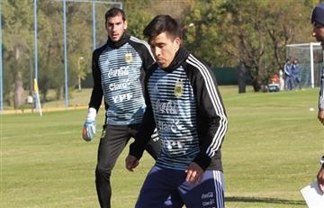 Selección Argentina: Nahuel Guzmán y Marcos Acuña llegaron a Ezeiza